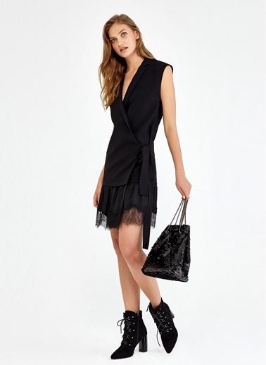 Anvelop Detaylı Dantelli Mini Elbise-Ipekyol